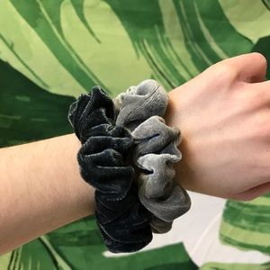 Free with purchase! 💕 Velvet grey scrunchies